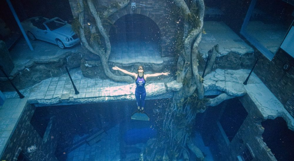 Deep Dive Dubai, world's deepest pool
